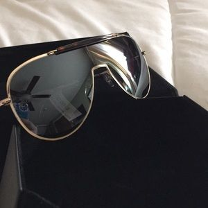 Brown Kendall &a Kylie sunglasses